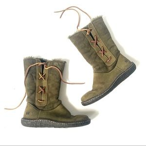 Born Olive Green Shearling Lined Lace up Boots